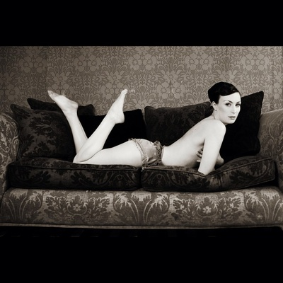 © Rebecca Cresta #burlesque #model #bambi #sofa #beauty #sofa #blackandwhite #bw #monochrome #fashion #rebeccacrestaphotography